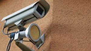 מתקין מצלמות אבטחה באילת