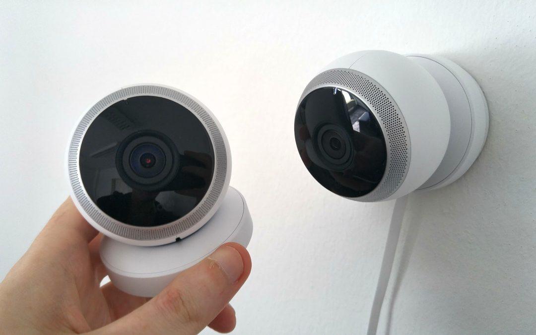 מערכת מצלמות אבטחה לעסק – קווית או אלחוטית?