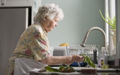התקנת מערכת בית חכם לטיפול במבוגרים?