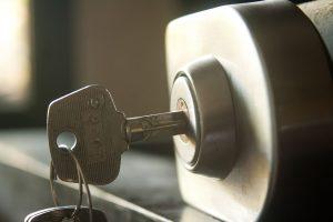 להשביח נכס עם מערכת אבטחה ביתית